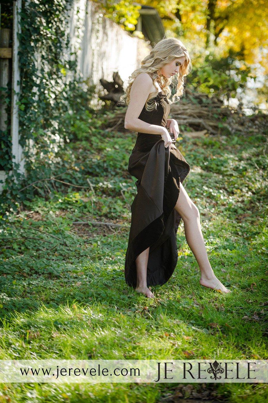 ALEXANDRIA MORGAN RUNS STRAPLESS